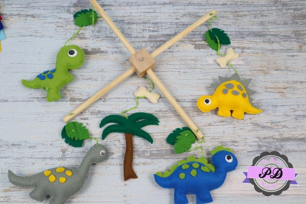 Karuzela z dinozaurami