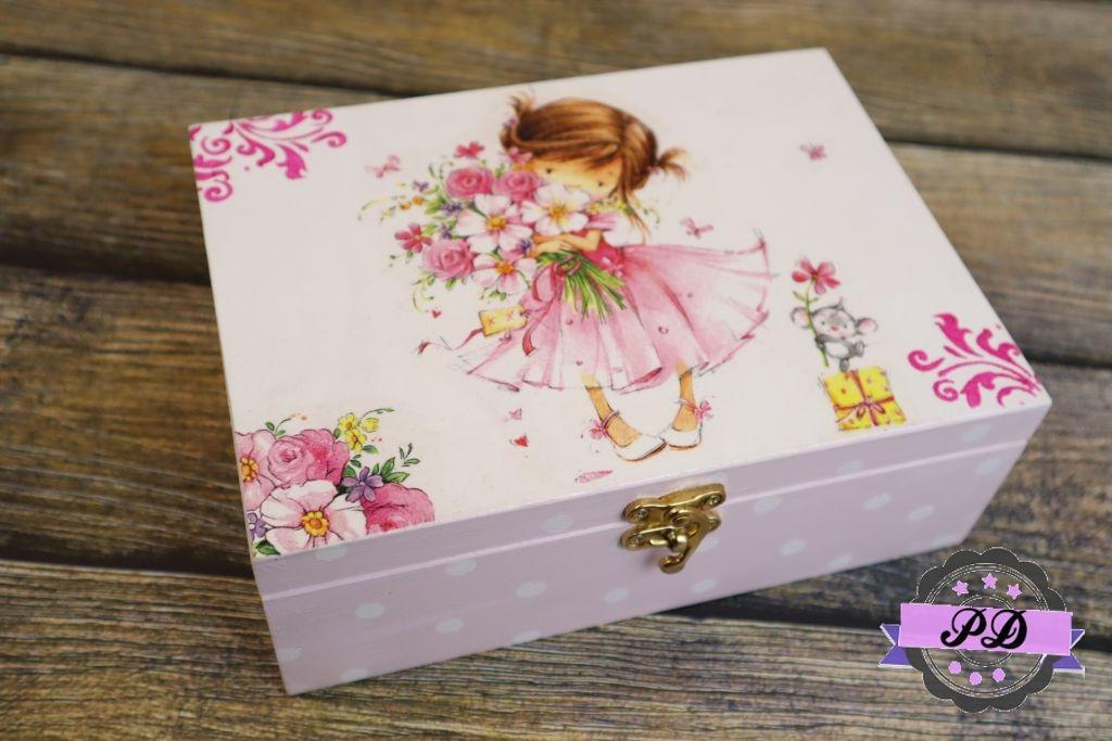 Pudełko drewniane dla dziewczynki