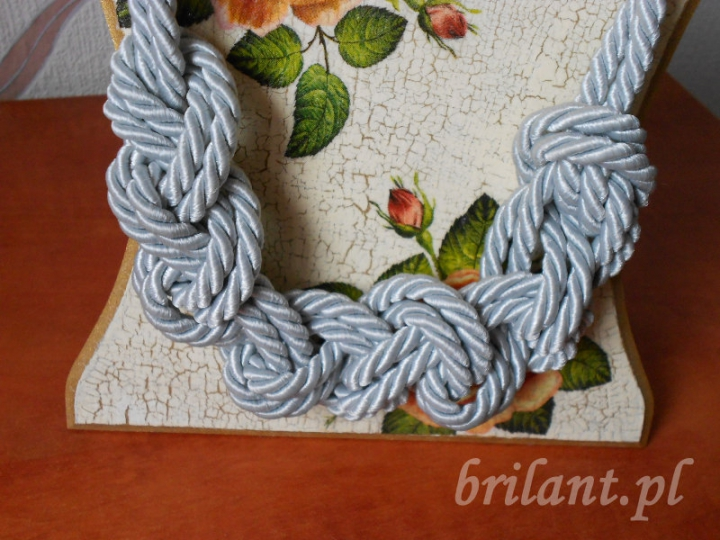 Naszyjnik ze sznura marynarskiego
